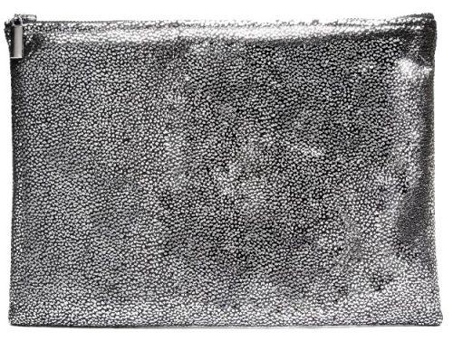 תיק צד של אסף ותומר | צילום רן יחזקאל