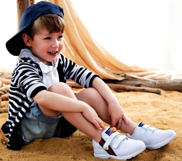 סניקרס לילדים של חברת סקופ צילום: שי יחזקאל