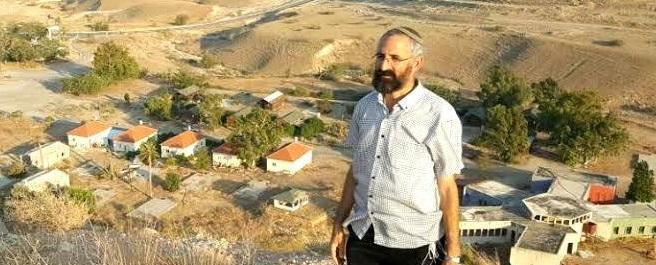 מחנכים באהבה, יונתן שוורץ מנהל כפר הנוער נווה שריה