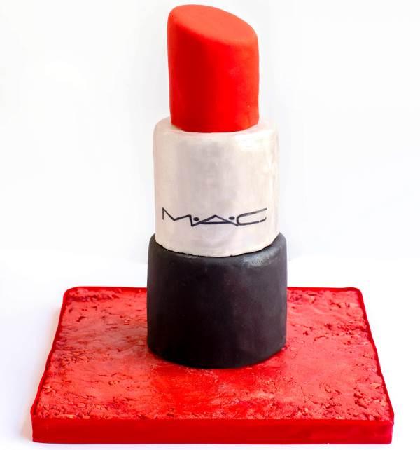 עוגת שפתון של מאק|צילום: יפעת פרי דפנא