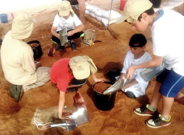 קייטנת הארכיאולוגים| צילום: חווה קלדרון